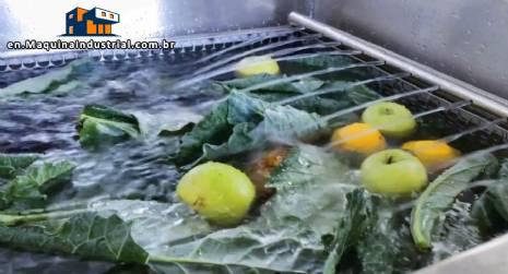 Compact food sterilization tank