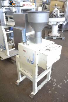 Industrial machine for making gnocchi