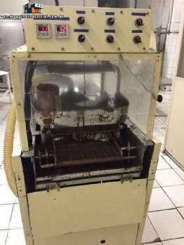 Chocolate enrobing machine for 300 mm Kreuter